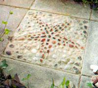 мозаика на бетонных дорожках