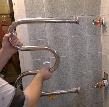 как установить полотенцесушитель